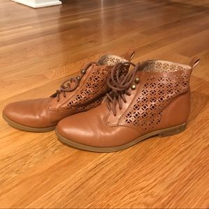 Lucky Lace-up Boots